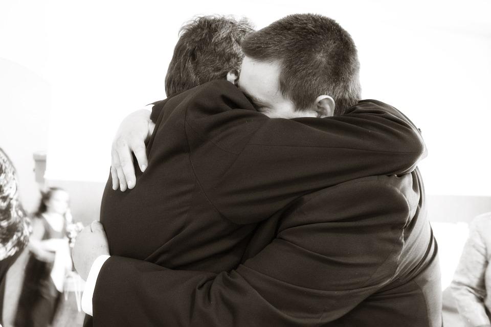 WHY TWINKS LOVE (?) DADDIES